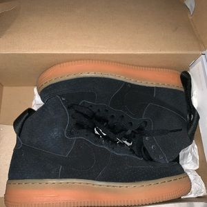 High top suede Nike's